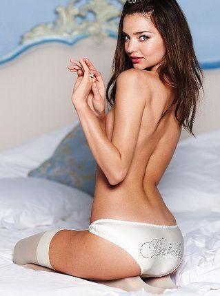 Белые трусики - свежо и сексуально!