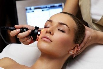 U kombinaciji čišćenje lica: druga faza - ultrazvuk