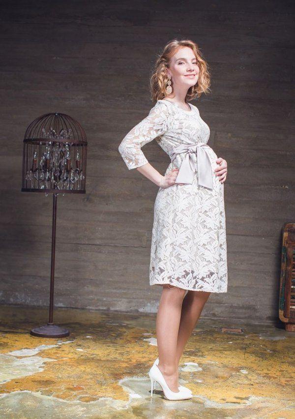 Fotografija prekrasne romantične haljine s originalnim print, zavodljiva luk