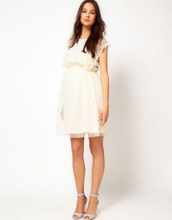 Foto svjetlo ljetna haljina sa višeslojnom tekstura