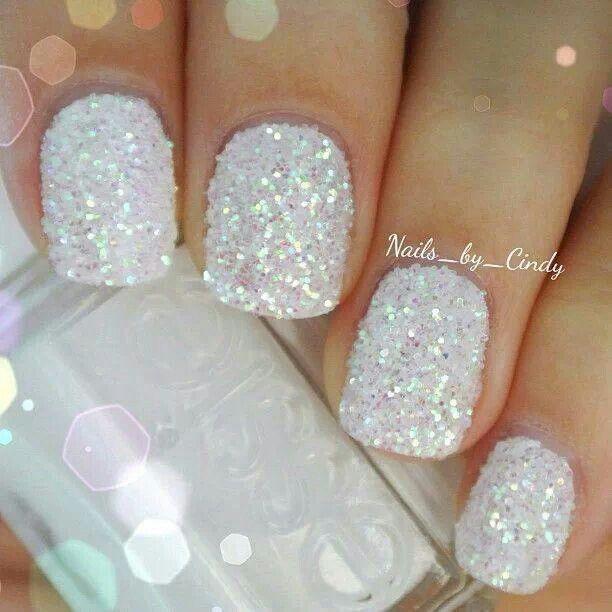 glitter manikura za vjenčanje