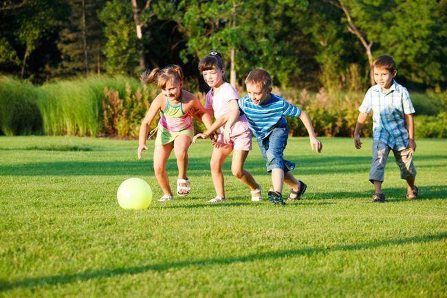Игры для школьников: подвижные, спортивные, на внимание, деловые