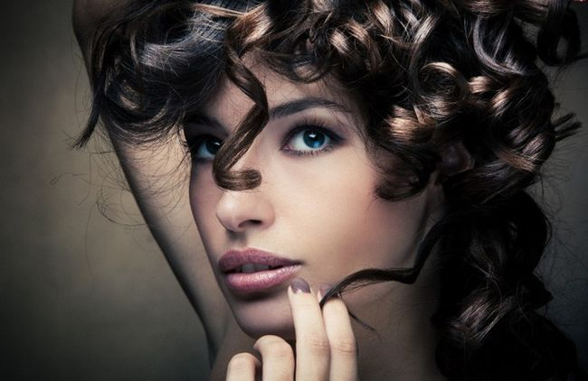Как накрутить волосы без бигуди и плойки-4