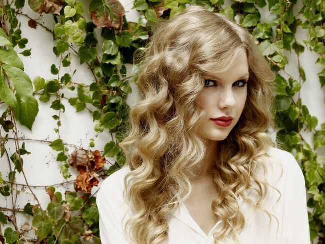 Как накрутить волосы без бигуди и плойки-5