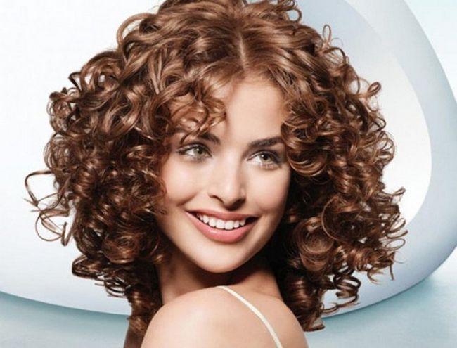 Как накрутить волосы без бигуди и плойки-6