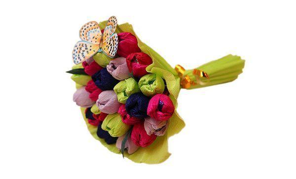 Красивый букет из конфет своими руками. Фото с сайта livemaster.ru