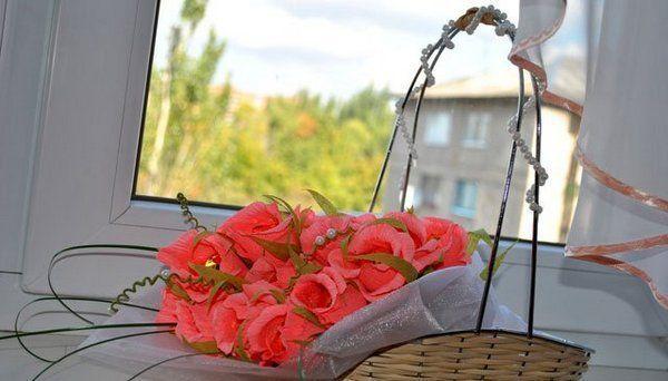 Букет будет красиво смотреться в корзинке. Фото с сайта http://content.podarki.ru/