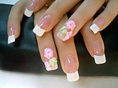 Prekrasna svadba manikura (skraćeno nokte, ruke) -4