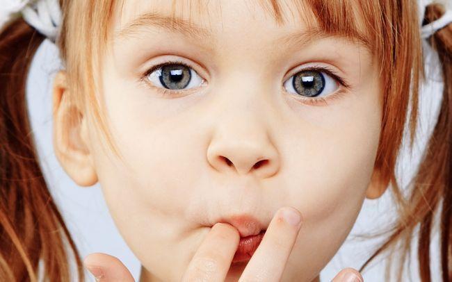 Патологические привычки у детей: яктации, онанизм, кусание ногтей и выщипывание волос