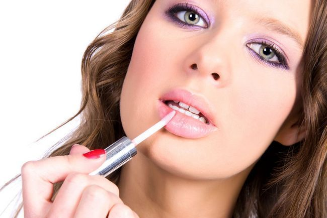 Zašto ljudi poput debeo usne? Atraktivna djevojka u očima muško-3