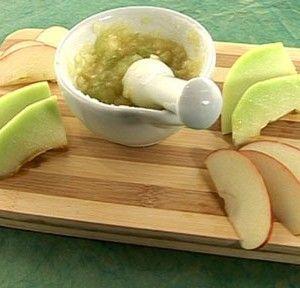 Маска из белка и яблока
