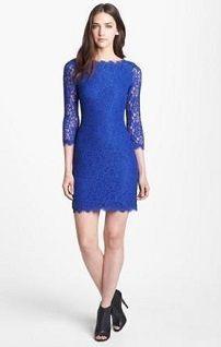 Синее платье-футляр с рукавом три четверти