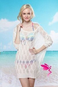 Белое вязаное платье для пляжа