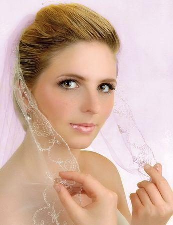 svatební účesy pro krátké vlasy