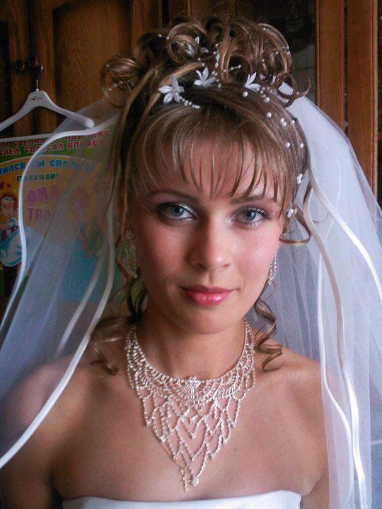 Свадебные прически с фатой-4